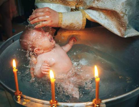 можно ли крестить ребенка без крестных