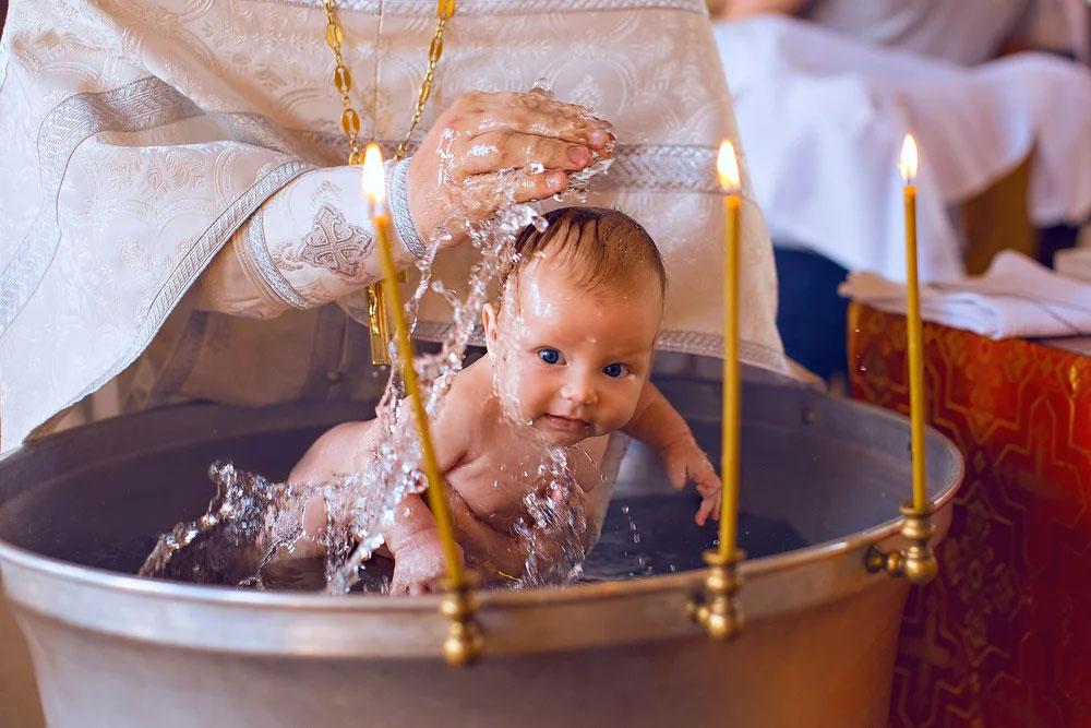 можно ли крестить без крестных