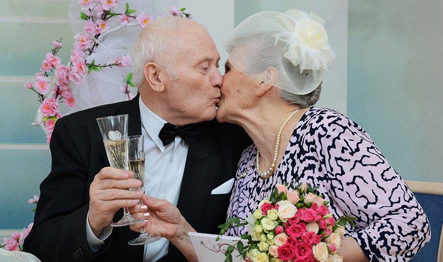 как отметить золотую свадьбу